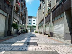 東區清景麟芳鄰公園美墅 0908-040999